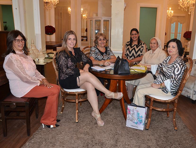 """Lunch Solidário e """"Mulheres Maravilhosas"""" na Chez Vous  para construir o novo altar do São Vicente de Paula"""