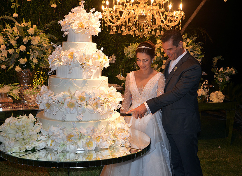 Alto astral e requinte marcam o lindo casamento de Manoel e Mayrla