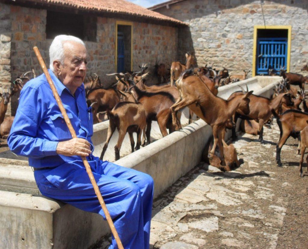 Nossa homenagem ao fazendeiro Manoelito Dantas – comandante da Fazenda Carnaúba – que seguiu para o UNIVERSO!