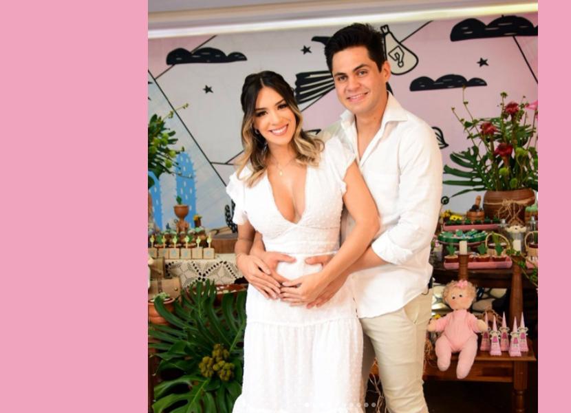 Lucas Veloso e Géssica Muniz ficam noivos e anunciam sexo de bebê em chá revelação