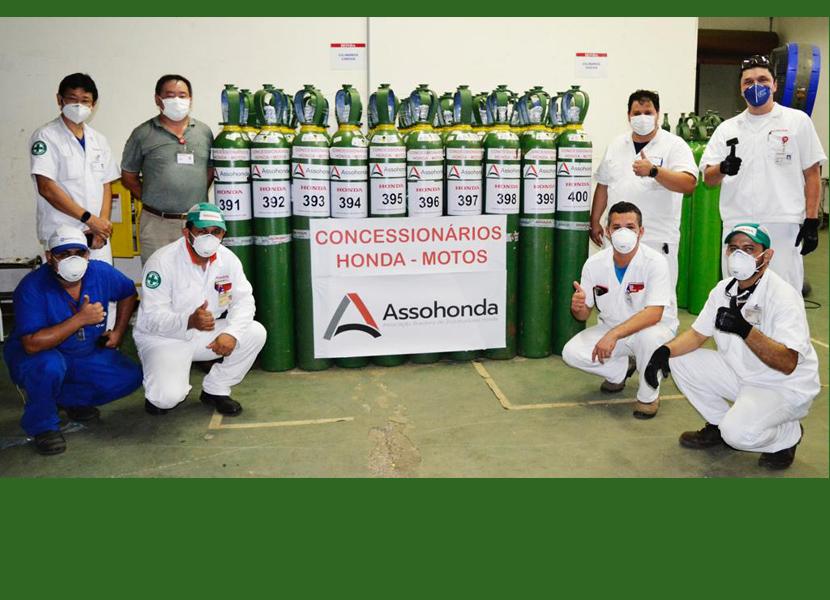 Cilindros de oxigênio doados pela Rede de Concessionárias Honda de motos chegaram em Manaus